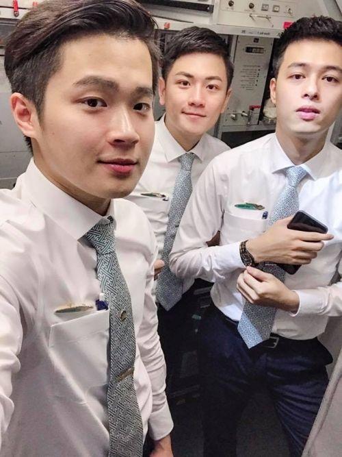 Hội những anh chàng tiếp viên Việt đẹp trai và thu hút, được mệnh danh là soái ca hàng không-11