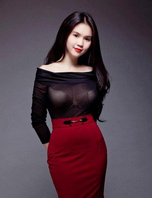 Lỗi thời trang cơ bản khiến Ngọc Trinh, Ngân 98 ê chề vì lộ miếng dán ngực phản cảm-4