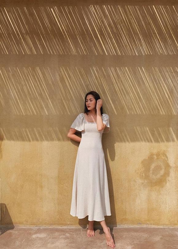 Cùng khoe street style với sắc hồng: Sơn Tùng đỏm dáng - Ngọc Trinh sexy - Phạm Hương cổ điển-6
