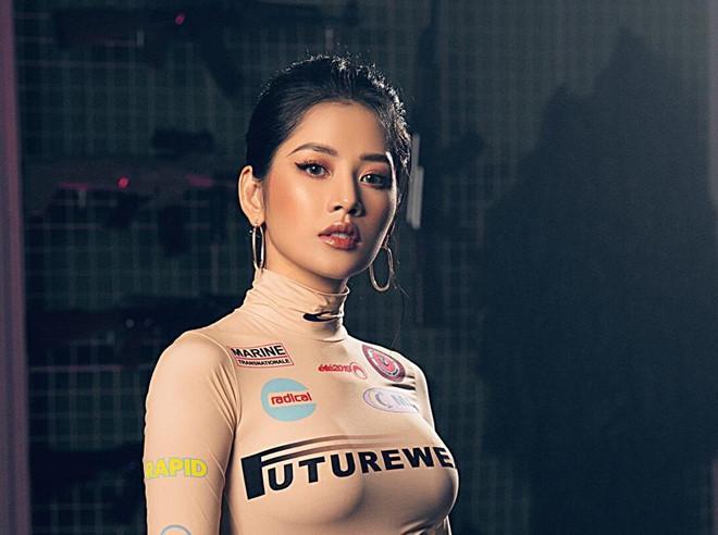 Chi Pu khoe khoảnh khắc Mai Phương Thúy chăm chú xem MV mới-2