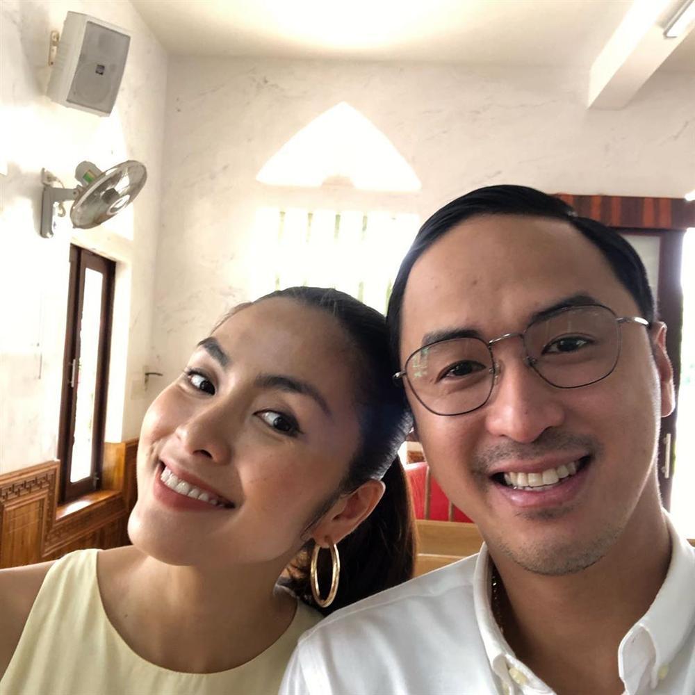 Đi ăn cưới nhà người ta, Louis Nguyễn - Tăng Thanh Hà được khen sáng không kém cô dâu chú rể vì quá đẹp đôi-2