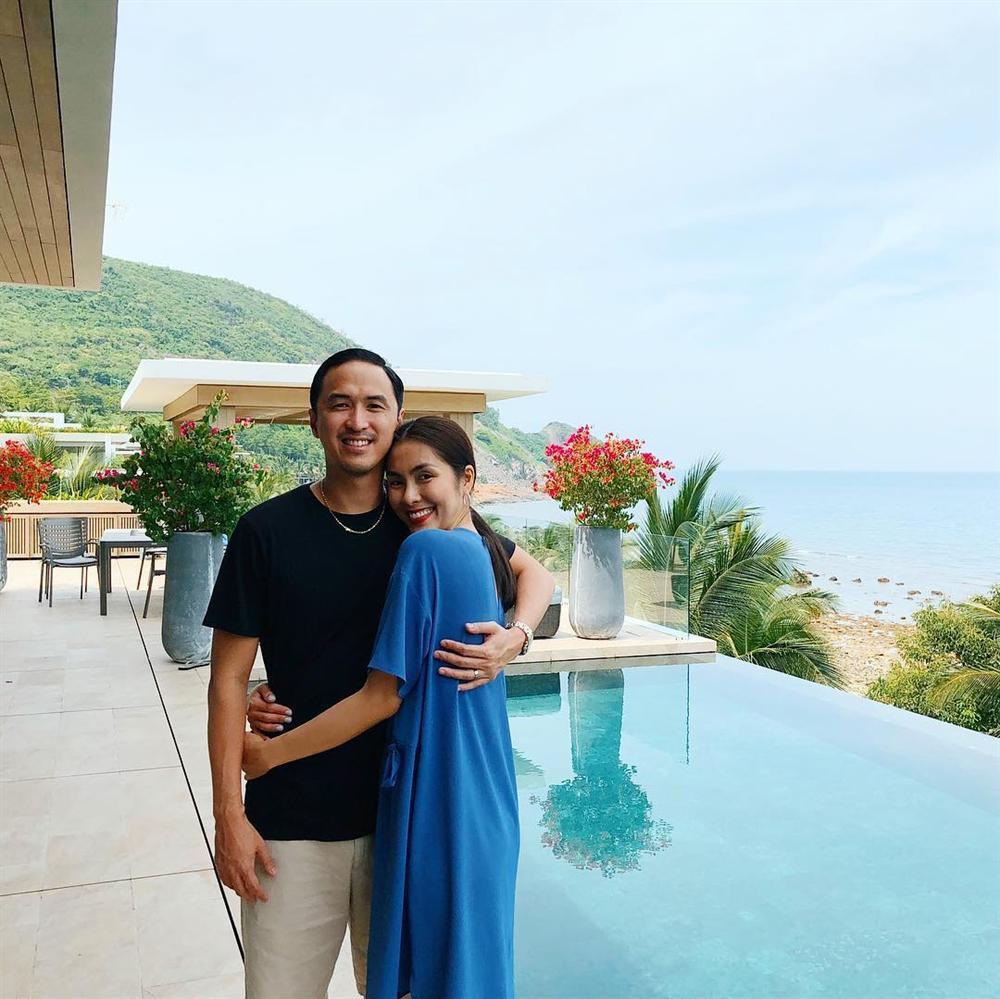 Đi ăn cưới nhà người ta, Louis Nguyễn - Tăng Thanh Hà được khen sáng không kém cô dâu chú rể vì quá đẹp đôi-8
