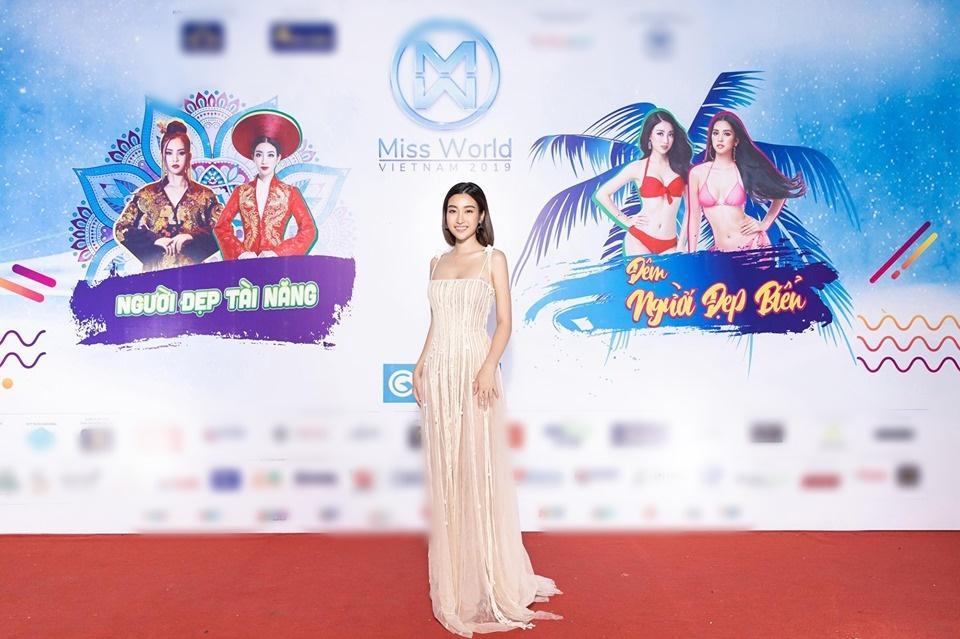 Đụng váy xuyên thấu lộ cả nội y nhưng Đỗ Mỹ Linh - Sam - Jolie Nguyễn vẫn đẹp bất chấp-2
