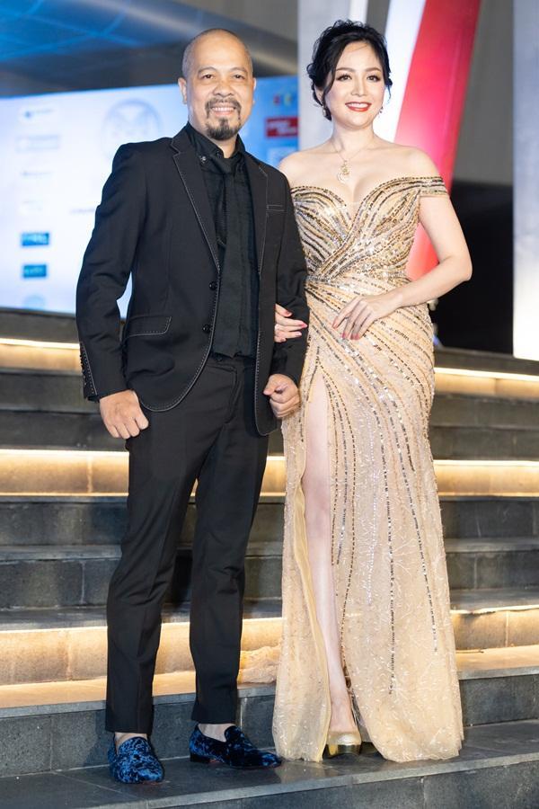 Lương Bằng Quang sánh bước dàn hoa hậu đình đám trên thảm đỏ Miss World Vietnam 2019-6