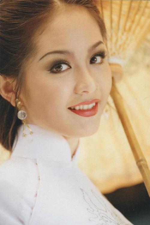 Lương Thùy Linh đăng quang Miss World Vietnam 2019, một lần nữa thiên hạ phải trầm trồ về Đại học Ngoại thương-3