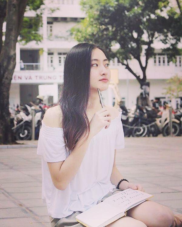 Lương Thùy Linh vừa đăng quang Miss World Vietnam 2019 đã bị khai quật ảnh mặt mộc đáng ngạc nhiên-5