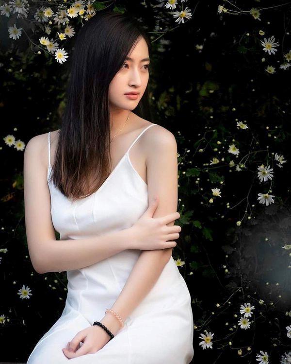 Lương Thùy Linh vừa đăng quang Miss World Vietnam 2019 đã bị khai quật ảnh mặt mộc đáng ngạc nhiên-7