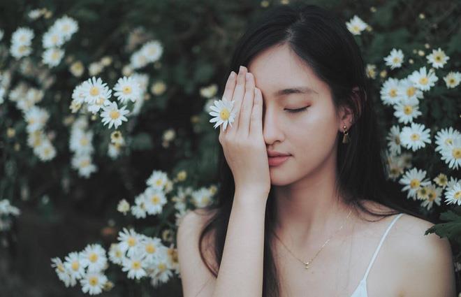 Lương Thùy Linh vừa đăng quang Miss World Vietnam 2019 đã bị khai quật ảnh mặt mộc đáng ngạc nhiên-8