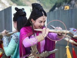 'Thánh soi' mỏi tay nhặt sạn loạt phim cổ trang đình đám xứ Trung