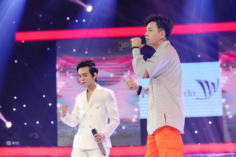 Khán giả ngất ngây khi nghe Ngô Kiến Huy song ca ngọt lịm cùng hot boy kẹo kéo-1