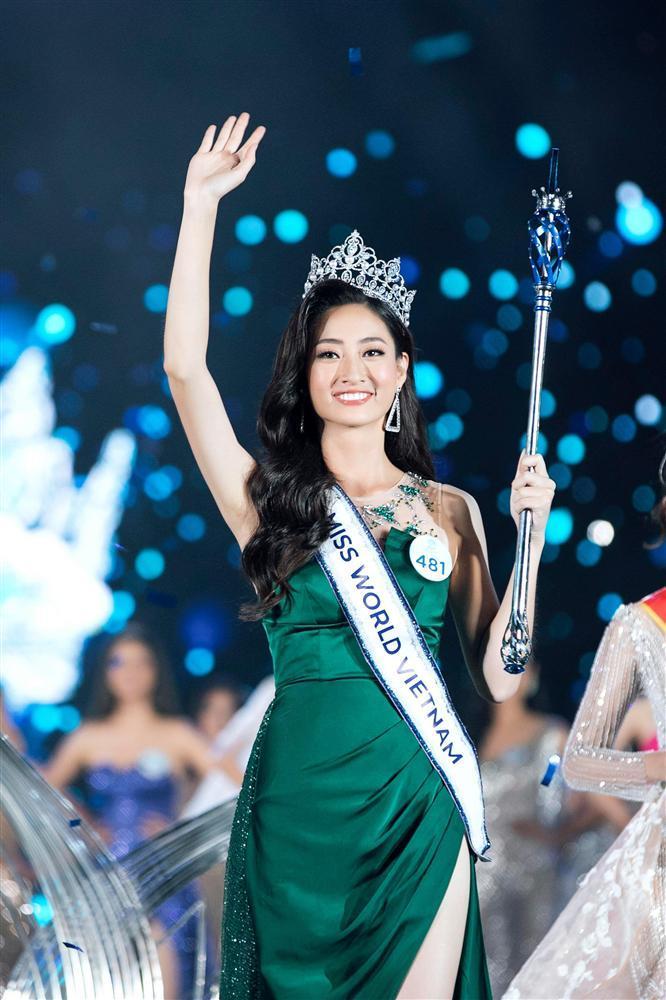 NTK váy dạ hội của Miss World Vietnam 2019: 'Lương Thuỳ Linh rất ngoan, lễ phép và hiểu chuyện'-1