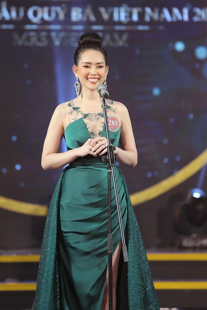 NTK váy dạ hội của Miss World Vietnam 2019: 'Lương Thuỳ Linh rất ngoan, lễ phép và hiểu chuyện'-5