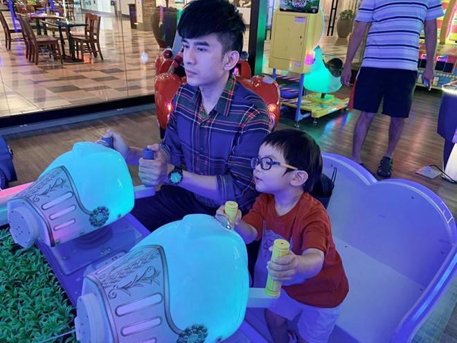 Đan Trường, Lý Hải và những sao Việt làm cha ở tuổi ngoài tứ tuần-2