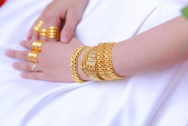 Những cô dâu số hưởng với vòng vàng trĩu cổ: Gánh nặng vậy ai cũng nguyện ý lấy chồng!-6