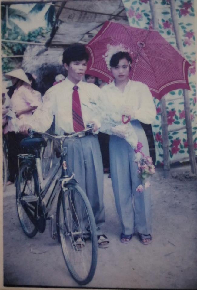 Khoe ảnh cưới thời bố mẹ em, cô gái Hải Phòng khiến dân tình trầm trồ với độ chịu chơi của đấng sinh thành-12