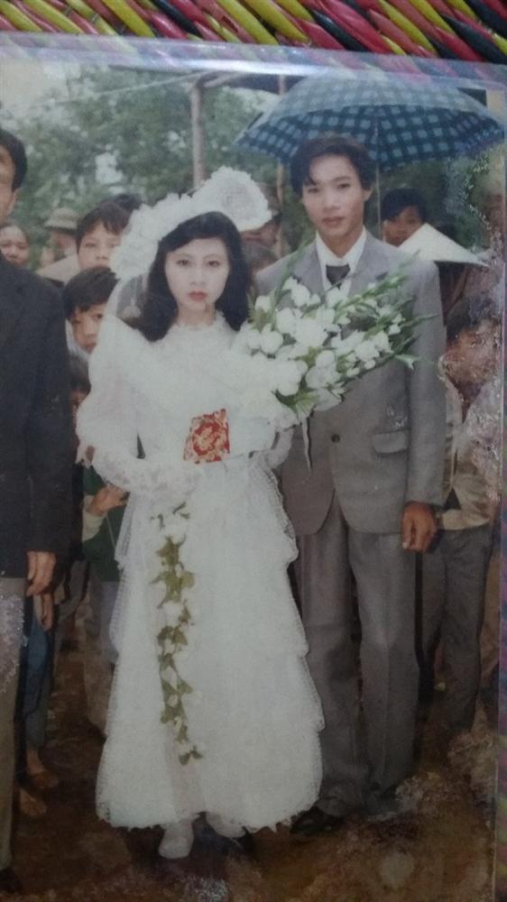 Khoe ảnh cưới thời bố mẹ em, cô gái Hải Phòng khiến dân tình trầm trồ với độ chịu chơi của đấng sinh thành-13