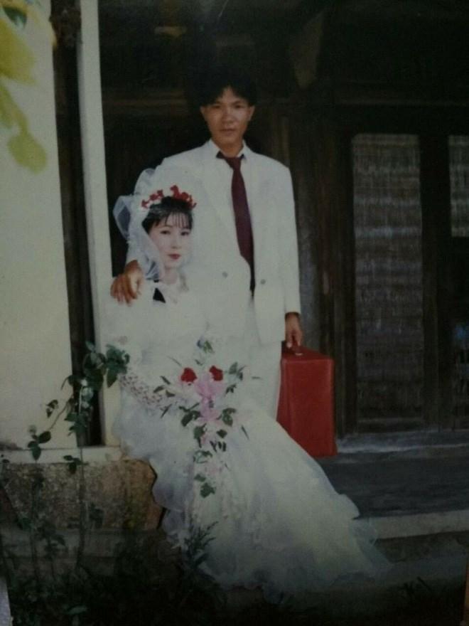 Khoe ảnh cưới thời bố mẹ em, cô gái Hải Phòng khiến dân tình trầm trồ với độ chịu chơi của đấng sinh thành-15