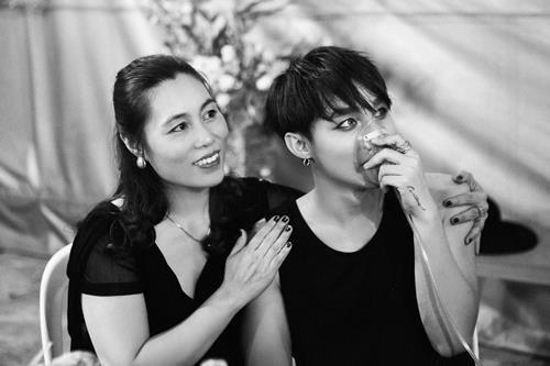Ảnh Sơn Tùng thở bình oxy trong live show 3 năm trước được chia sẻ lại-1