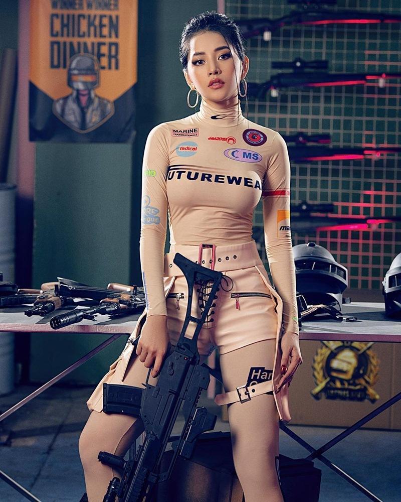 Đụng áo hiệu: Chi Pu hóa lính bắn tỉa chất lừ - Wendy Red Velvet như chổi lông phất trần - Baifern đẹp vạn người mê-3