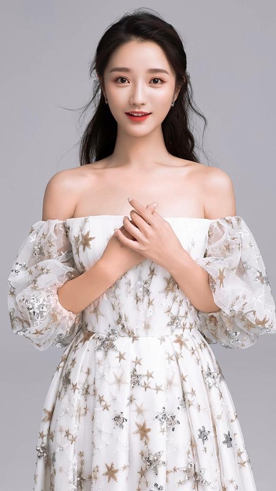 Dương Tử đánh bại Triệu Lệ Dĩnh trở thành nữ diễn viên có lượng fans tăng nhiều nhất nửa đầu 2019-3