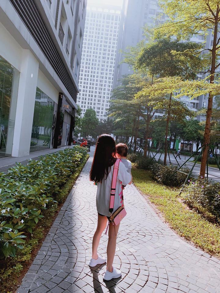 Chuyển nơi ở mới sau khi Việt Anh tuyên bố bán nhà, Hương Trần ngậm ngùi: Mẹ con Đậu đi nhé-3