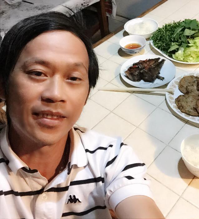 Vẫn biết Hoài Linh không thích sơn hào hải vị, nhưng nhìn bữa cơm toàn mắm của danh hài ai nấy vẫn xót xa-4