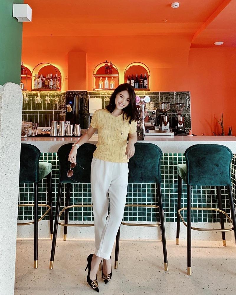 BB Trần mang 20 bộ quần áo sống ảo cho 1 chuyến du lịch - Kaity Nguyễn biến hóa thành quý cô sexy lady-5