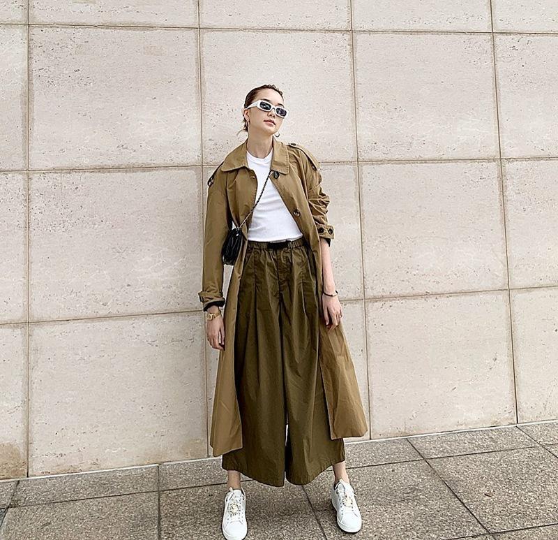 BB Trần mang 20 bộ quần áo sống ảo cho 1 chuyến du lịch - Kaity Nguyễn biến hóa thành quý cô sexy lady-9