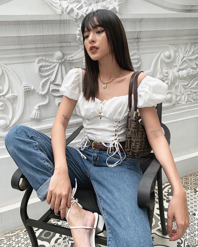 BB Trần mang 20 bộ quần áo sống ảo cho 1 chuyến du lịch - Kaity Nguyễn biến hóa thành quý cô sexy lady-10