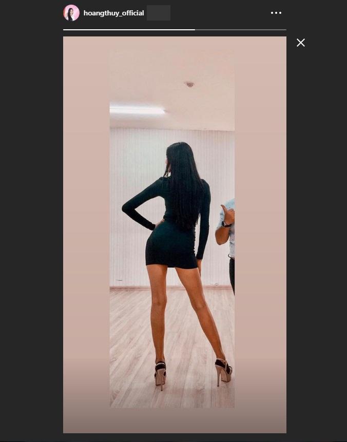 Bản tin Hoa hậu Hoàn vũ 6/8: Hoàng Thùy lên đồ bó sát chặt đẹp thời trang bà thím của đối thủ Colombia-1