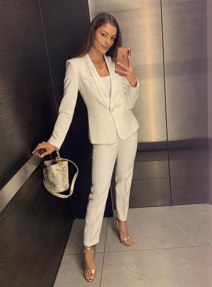 Bản tin Hoa hậu Hoàn vũ 6/8: Hoàng Thùy lên đồ bó sát chặt đẹp thời trang bà thím của đối thủ Colombia-8
