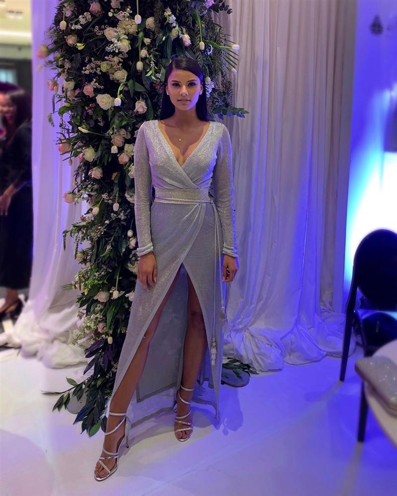Bản tin Hoa hậu Hoàn vũ 6/8: Hoàng Thùy lên đồ bó sát chặt đẹp thời trang bà thím của đối thủ Colombia-11