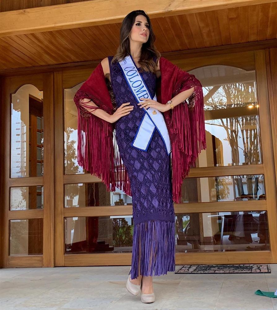 Bản tin Hoa hậu Hoàn vũ 6/8: Hoàng Thùy lên đồ bó sát chặt đẹp thời trang bà thím của đối thủ Colombia-2