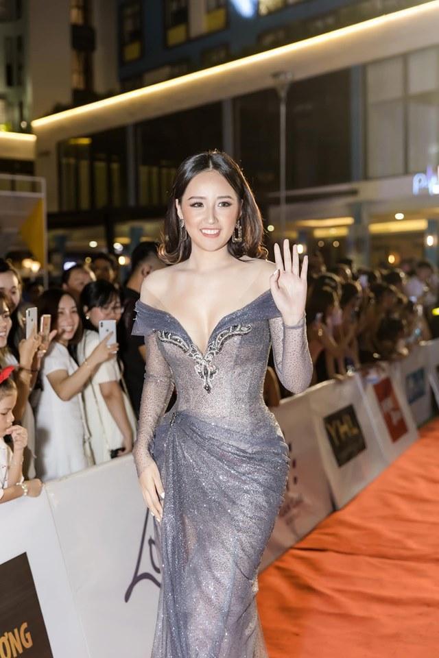 Êkip Mai Phương Thúy lên tiếng xin lỗi về sự cố váy áo khiến hoa hậu lao đao vì hở trên truyền hình-7
