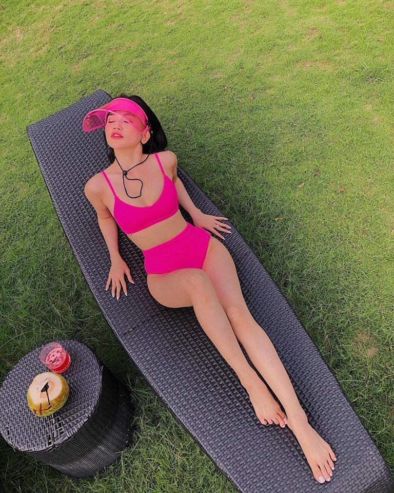 Sĩ Thanh mặc bikini gợi cảm hút mắt ở bể bơi, fan khen hết lời-5
