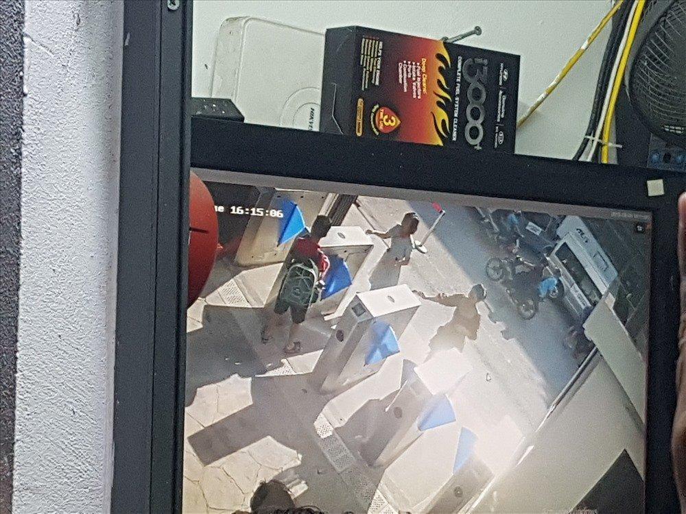 Lê Thúy công khai mắng Lưu Thiên Hương khi thấy đàn chị trách móc bố mẹ bé trai 6 tuổi tử vong vì bị quên trên xe bus-2