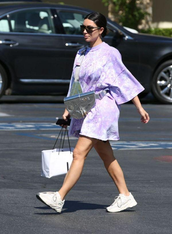 Kim Kardashian lại gây sốt với chiếc túi Dior hơn 800 triệu đồng-2
