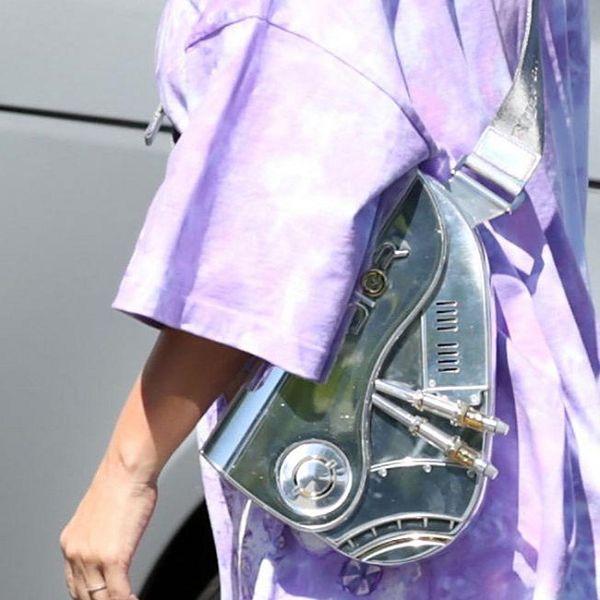 Kim Kardashian lại gây sốt với chiếc túi Dior hơn 800 triệu đồng-3