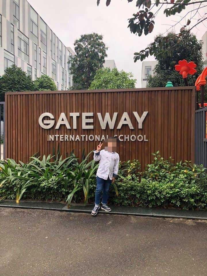 Bố bé trai bị trường Gateway bỏ quên trên xe bus: Vợ chồng tôi lấy nhau 4 năm mới có cháu-4