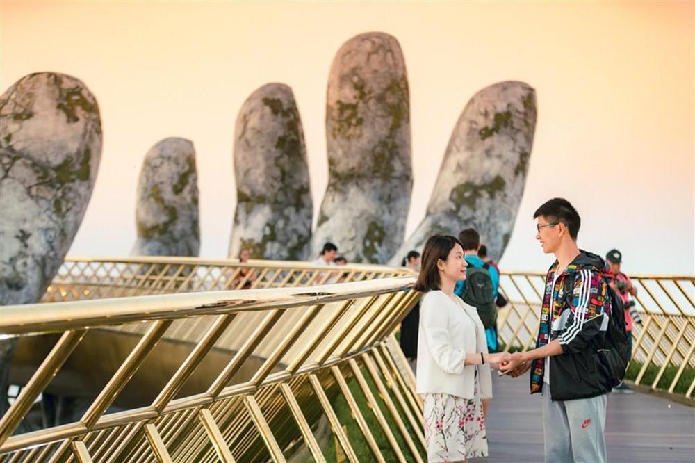 Những cây cầu độc đáo thu hút khách du lịch khắp thế giới-4