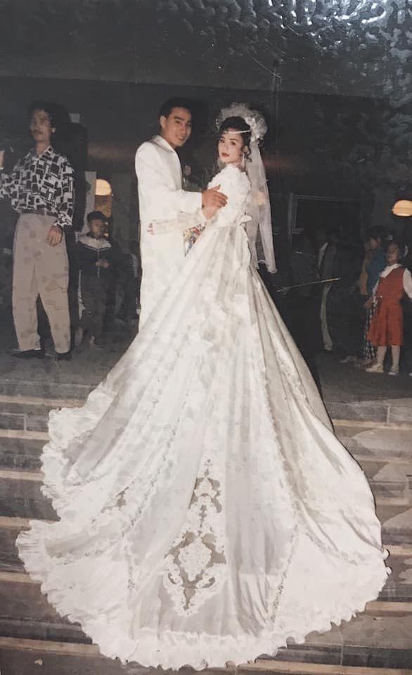 Gặp gỡ gái xinh gây sốt MXH vì loạt ảnh đám cưới hoành tráng của bố mẹ Rich Kid Hải Phòng năm xưa-2