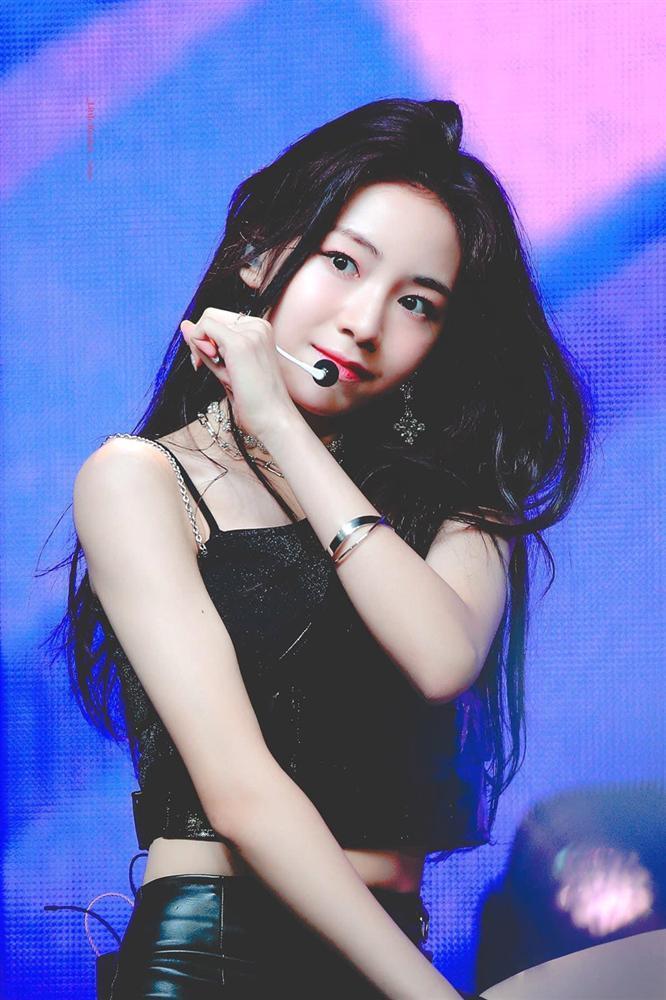 Nhan sắc nữ thần tượng nhỏ tuổi nhất Kpop gây chú ý-3