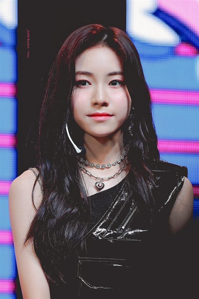 Nhan sắc nữ thần tượng nhỏ tuổi nhất Kpop gây chú ý-5