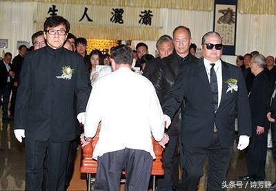 Vì sao đại ca Hồng Kim Bảo nổi giận trong đám tang Lâm Chánh Anh?-2