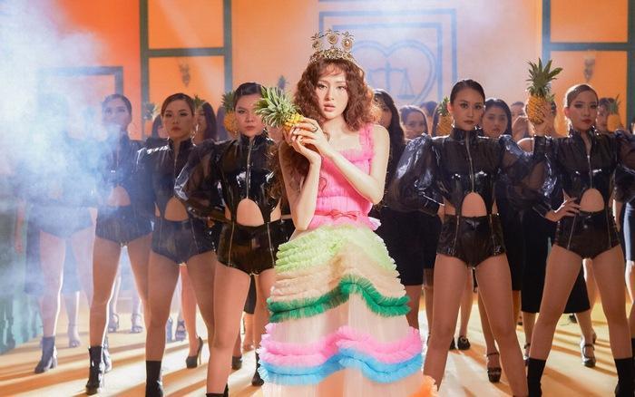 Hiền Hồ khoe eo thon sexy trong MV Cần Xa phiên bản dance mặc ồn ào đạo nhái, tiêu đề phản cảm-2