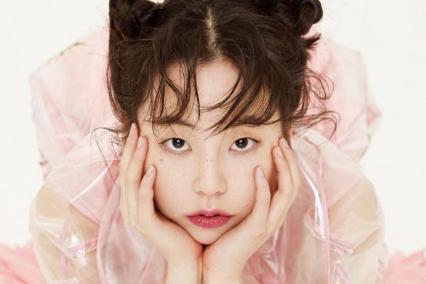 Cựu thành viên Wonder Girls gây sốc khi diện áo khoác dày cộp giữa thời tiết nóng nhất lịch sử Hàn-2
