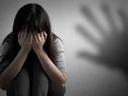 Bé gái 15 tuổi bị khách của quán cà phê cưỡng hiếp