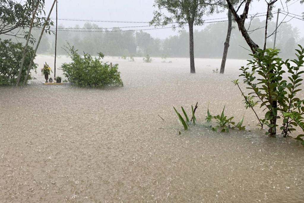 Phú Quốc ngập chưa từng thấy, giao thông bị chia cắt-4