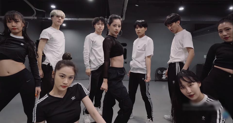 Ngắm Chi Pu trong MV dance với 1Million Studio, dân mạng tiếc rẻ: Nhan sắc này phải debut ở Hàn Quốc-3