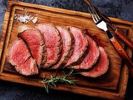Nhà hàng bảo quản hơn 10 tấn thịt bò lên tuổi hảo hạng thế nào?
